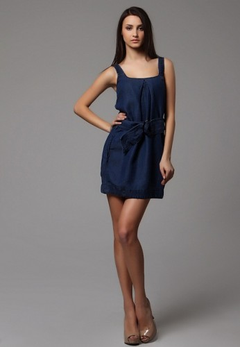 lacivert-abiye-elbise-modelleri-4