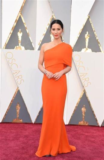 Oscar Töreni Ünlülerin Kırmızı Halı Kıyafetleri