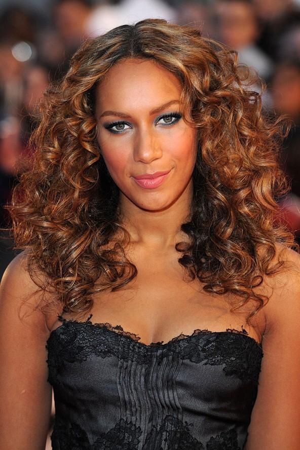 Yeni Model Dalgalı Saç Modelleri - Wavy Hairsytles