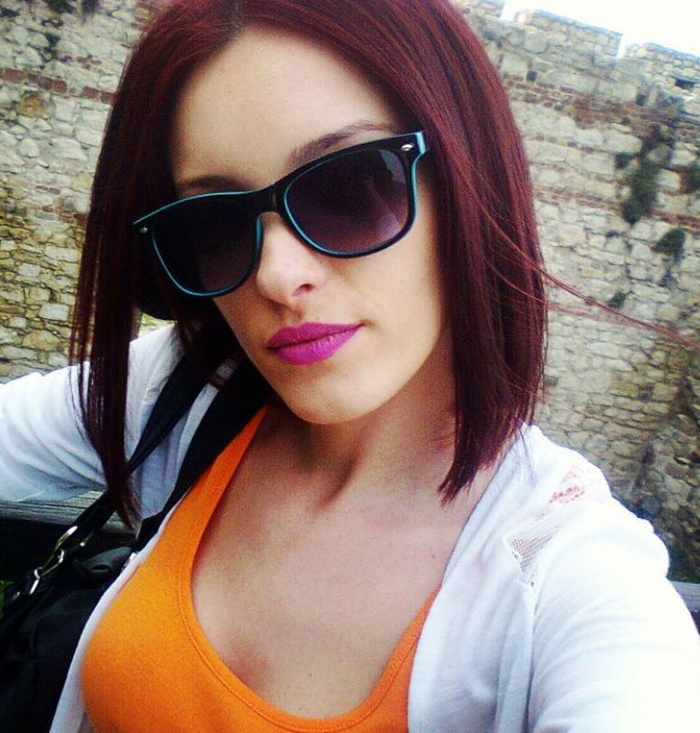 Dark Red Hair Color - Hairstyles Ideas - New Hair Style (9)