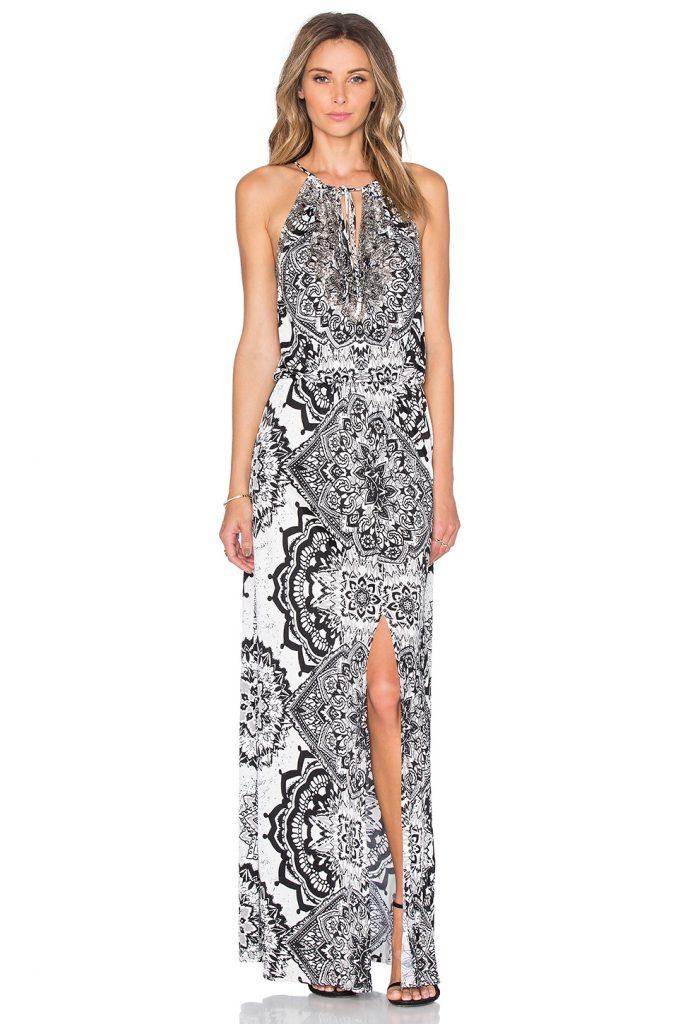 0158e74cdd4ac En Şık Uzun Elbise Modelleri - Gece Elbiseleri 2019 Siyah Kolsuz Desenli