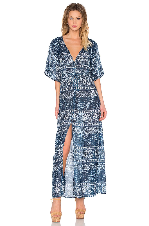 En Şık Uzun Elbise Modelleri - Gece Elbiseleri 2019 Lacivert Uzun V Yakalı