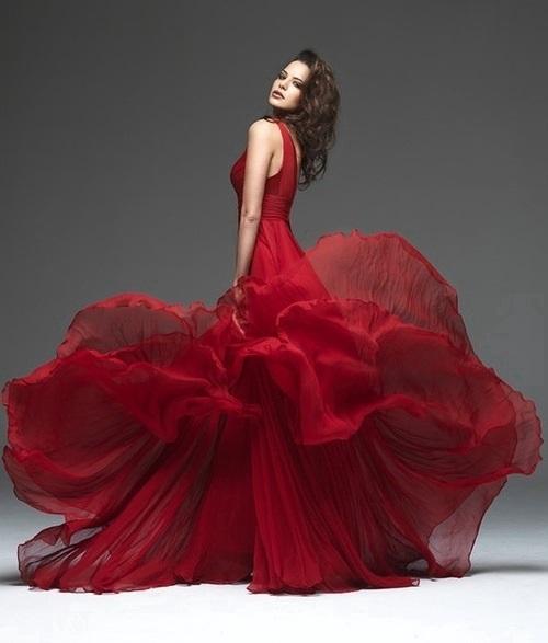 en-guzel-bordo-abiye-modelleri-gece-elbiseleri-20