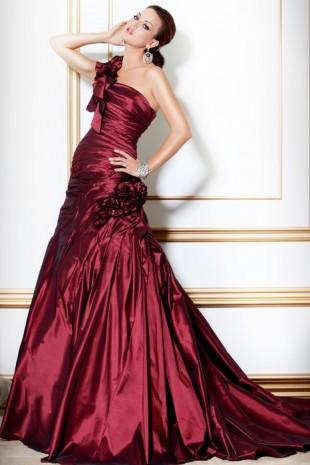 en-guzel-bordo-abiye-modelleri-gece-elbiseleri-45