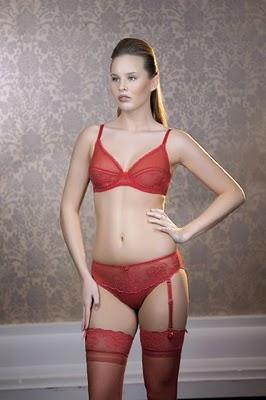 en-seksi-kirmizi-ic-camasiri-modelleri-bayan-ic-giyim-23