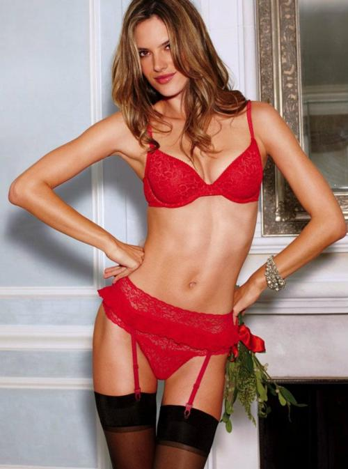 en-seksi-kirmizi-ic-camasiri-modelleri-bayan-ic-giyim-37
