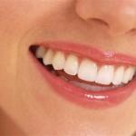 Dişlerinizi fırçaladıktan sonra bir miktar karbonatla yeniden fırçalayın
