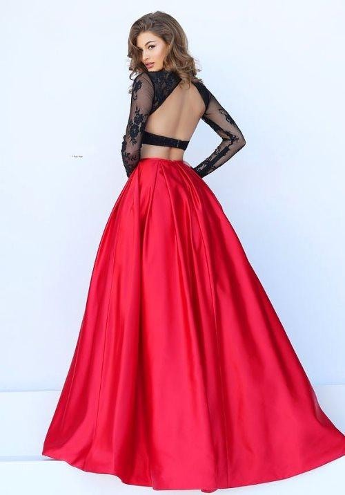İşte En Gözde Abiye Elbise Modelleri: Sırt Dekolteli