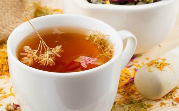 Ekinezya çayı    Ekinezya çayı, bağışıklık sistemini güçlendirerek, başta grip olmak üzere, virüs yoluyla bulaşan tüm hastalıkların tedavisine destek olur. Diğer yazdığımız çaylar gibi mide ve sindirimi de kolaylaştırarak kabızlığı büyük ölçüde engeller.