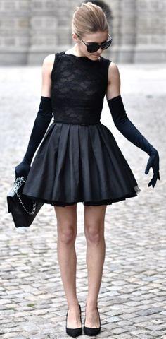 modanin-en-asil-hali-siyah-abiye-elbise-modelleri-12
