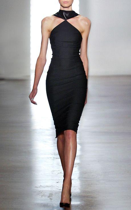 modanin-en-asil-hali-siyah-abiye-elbise-modelleri-16