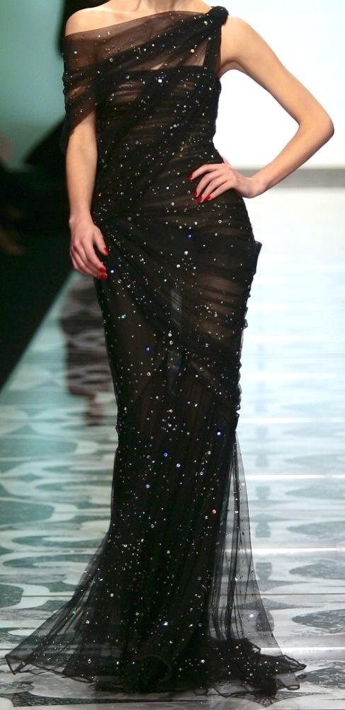 modanin-en-asil-hali-siyah-abiye-elbise-modelleri-18