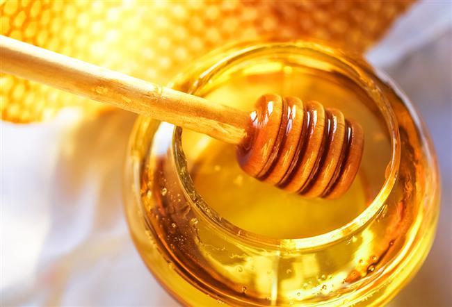 Mutfakta Pratik Bilgiler:  Balın Şekerlenmemesi İçin    Balın şekerlenemesini önlemek ve lezzetini korumak için bal kavanozunu gün ışığı almayan bir yerde saklayın