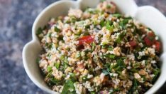 Otlu Bulgur Salatası Tarifi