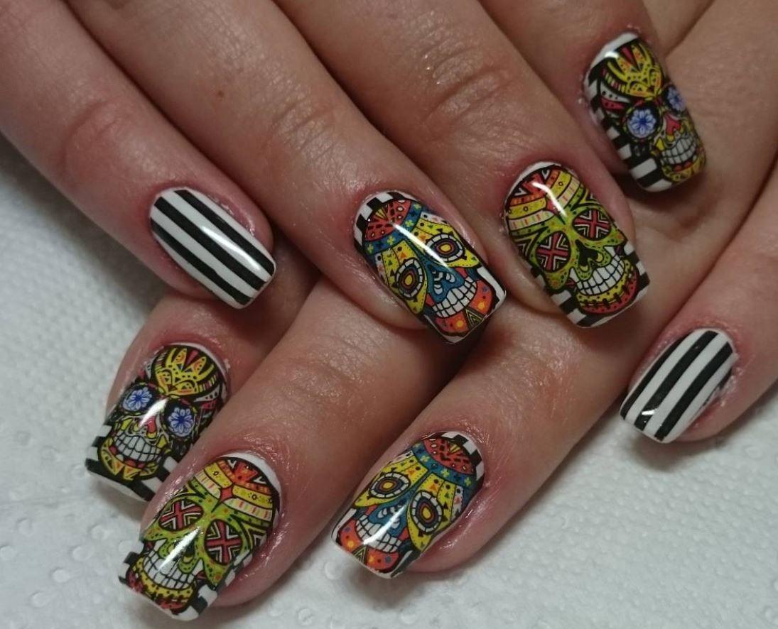 red nail art-white nail art-nail art-nail art designs-nailart-nails (26)