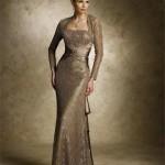 yabanci-unlulerin-uzun-kollu-abiye-modelleri-gece-elbiseleri-15