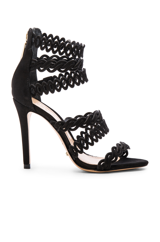 En Şık Siyah Stiletto Ayakkabı Modelleri