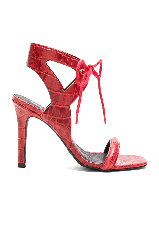 En Şık Kırmızı Stiletto Ayakkabı Modelleri