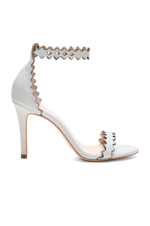 En Şık Beyaz Stiletto Ayakkabı Modelleri