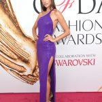 2016 CFDA Moda ödülleri Kırmızı Halı Elbiseleri; ALESSNDRA AMBROSIO