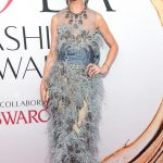 2016 CFDA Moda ödülleri Kırmızı Halı Elbiseleri; GEORGINA CHAPMAN