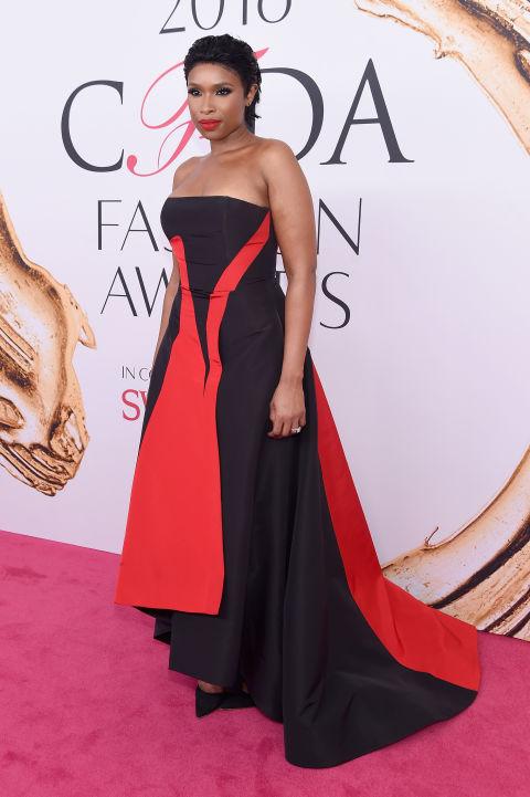 2016 CFDA Moda ödülleri Kırmızı Halı Elbiseleri; JENNIFER HUDSON