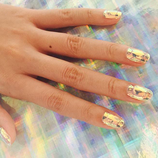 En Moda Tırnak Süsleme Modelleri - Nail Art (15)