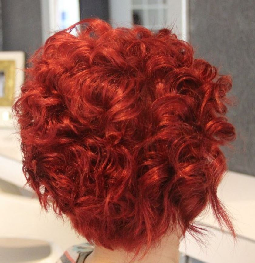 Kızıl Kıvırcık Saç Modeli - Red Curly Hair Color Ideas