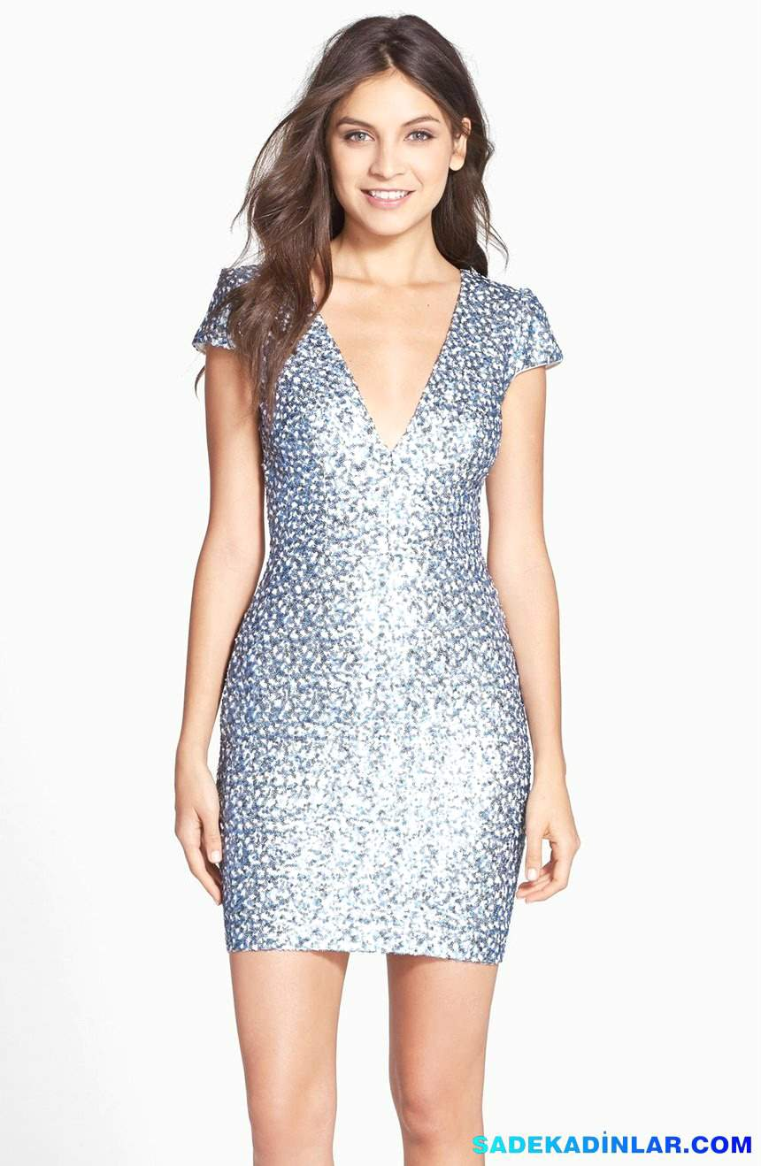 2020 Gece Elbiseleri Ve Abiye Modelleri - Sequin-V-Neck-Body-Con-Dress