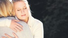 Kadınlara Sevgiyle Dokunmak Fiziksel Acıyı Azaltıyor!