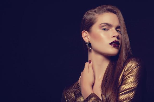 Göz Kamaştıran ve Seksi Yılbaşı Makyajı Nasıl Yapılır?