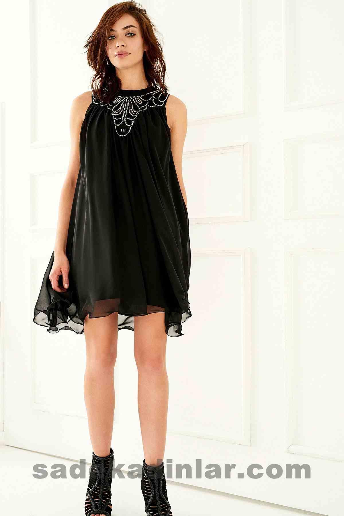 Abiye Elbise Modelleri Şık ve Güzel 2019 Gece Elbiseleri Siyah Şifon İşlemeli