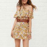 2019 Yazlık Elbise Modelleri ve Şık Kıyafet Kombinleri Omzu Açık Desenli Kısa Elbise Modelleri