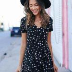 Yazlık Elbise Modelleri ve Şık Kıyafet Kombinleri Yıldız Desenli Kısa Elbise Modelleri