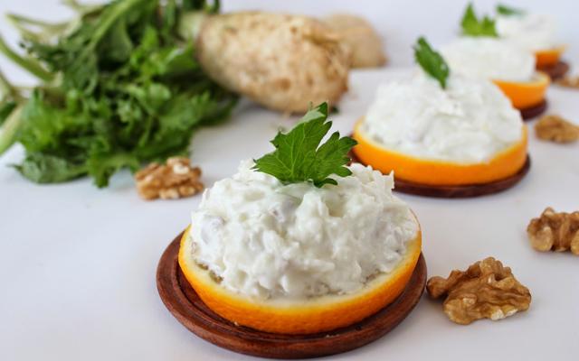 Cevizli Kereviz Salatası Tarifi Yapmaya Ne Dersiniz?