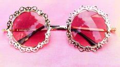 Güneş Gözlükleri: Stil Sahibi Kadınların Vazgeçemediği Aksesuarlar