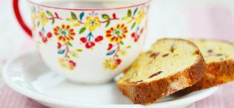 Meyveli Diyet Kek Tarifi İle Tatlı İsteğinizi Yatıştırabileceksiniz
