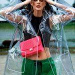 İlk Bahar İçin Kadın Şeffaf Yağmurluk Modelleri