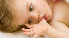 Bebeklerde Parmak Emme Sorunu!