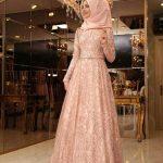 En Güzel Tesettür Abiye Modelleri somon rengi