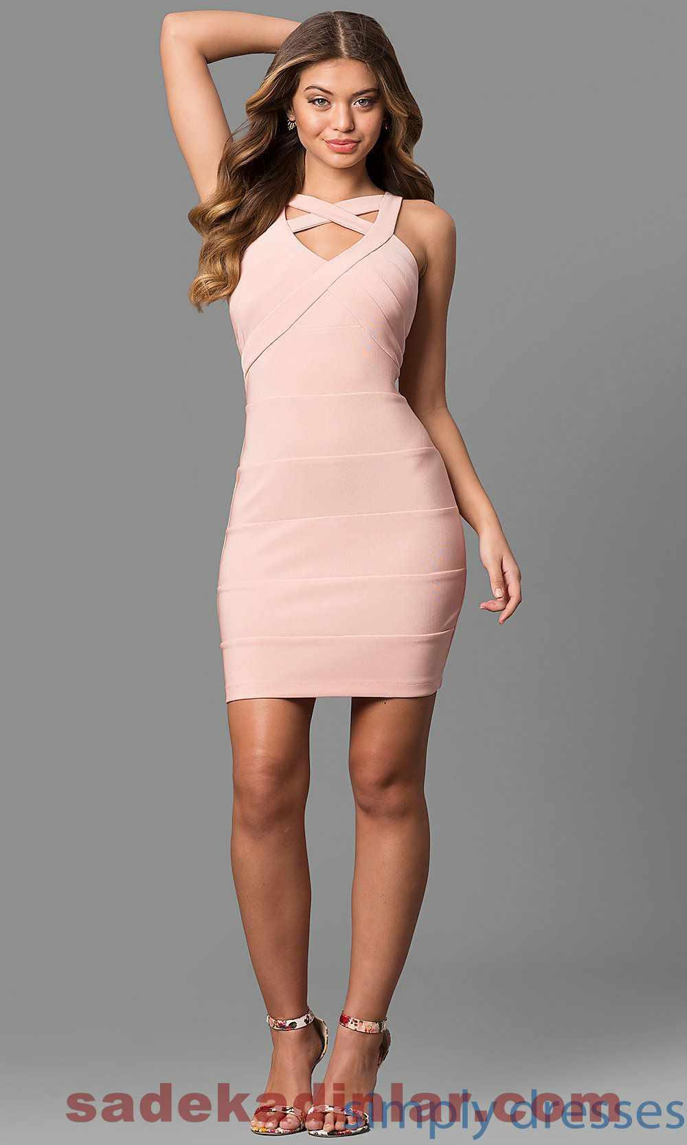 Mini elbiseler 2019
