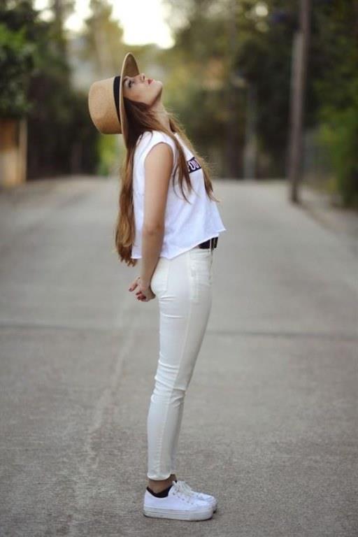 Beyaz Pantolon Kombinleri Spor Ayakkabı