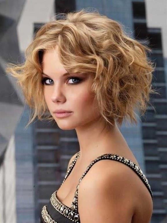 Saç Modelleri 2017 Krapeli Kabarık Saç Modeli İnce Telli Saçlar İçin