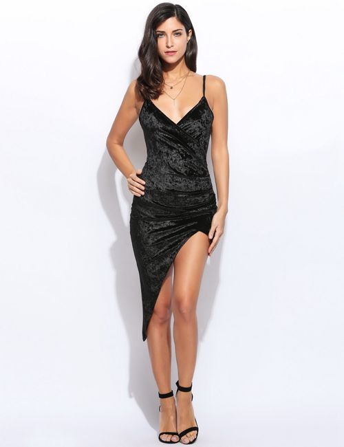 Abiye Modelleri siyah kısa askılı sade model