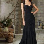 Siyah Elbise Kombinleri 2019 Abiye Modelleri siyah renkli uzun kalın askılı askıları güpürden model