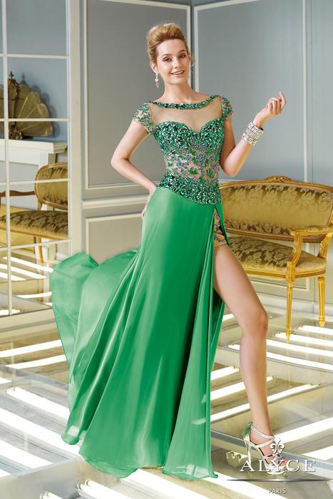 Abiye Modelleri yeşil uzun derin yırtmaçlı üzeri transparen tül ve taşlı