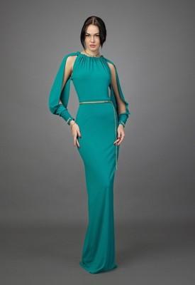 Abiye Modelleri yeşil uzun yırtmaçlı kollu model