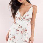Beyaz Dekolteli Çiçekli Kısa Elbise Modelleri 2018