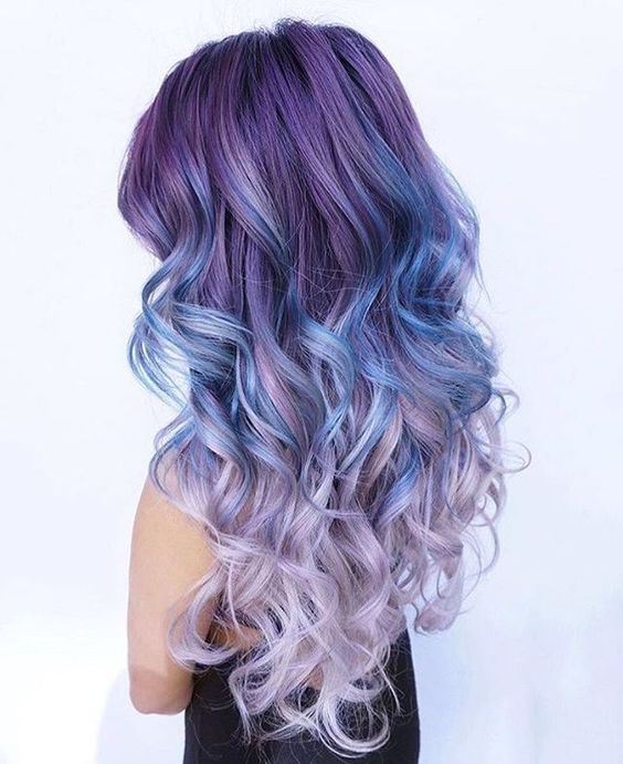 Pastel Renkli Ombre Saç Modelleri ve Saç Renkleri - dalgalı saç eflatun ve mavi renkli