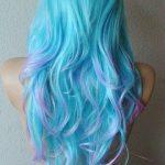 Pastel Renkli Ombre Saç Modelleri ve Saç Renkleri - dalgalı saç mavi ve pembe renkli